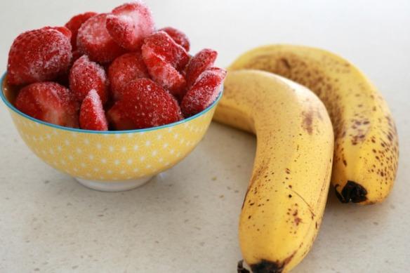 Healthy-Strawberry-Ice-Cream-Bake-Play-Smile-1