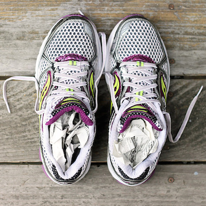 how-to-dry-wet-running-shoes-thumbnail